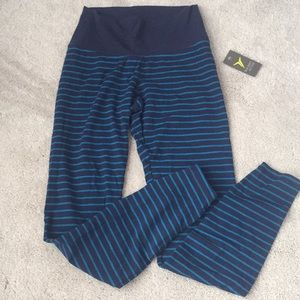 old navy active stripe leggings size small NWT